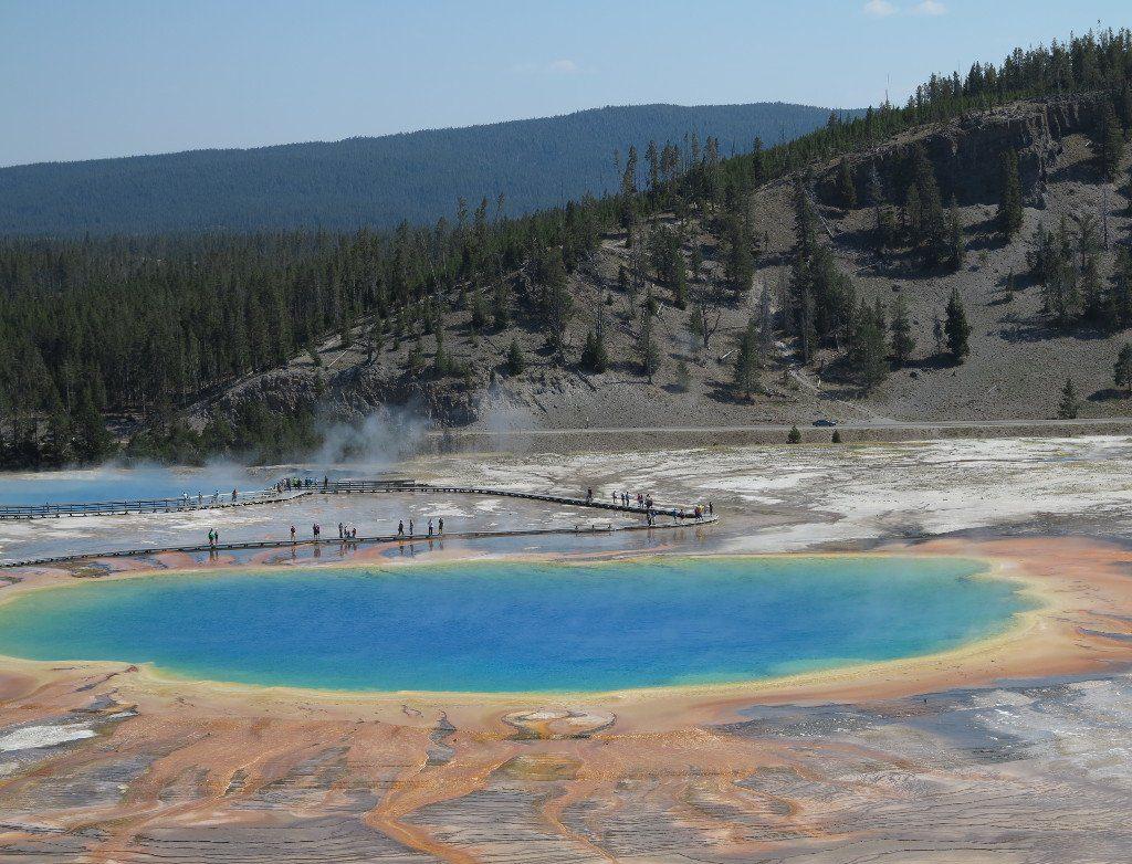 This isn't photoshopped! Yep, Yellowstone actually looks like this...