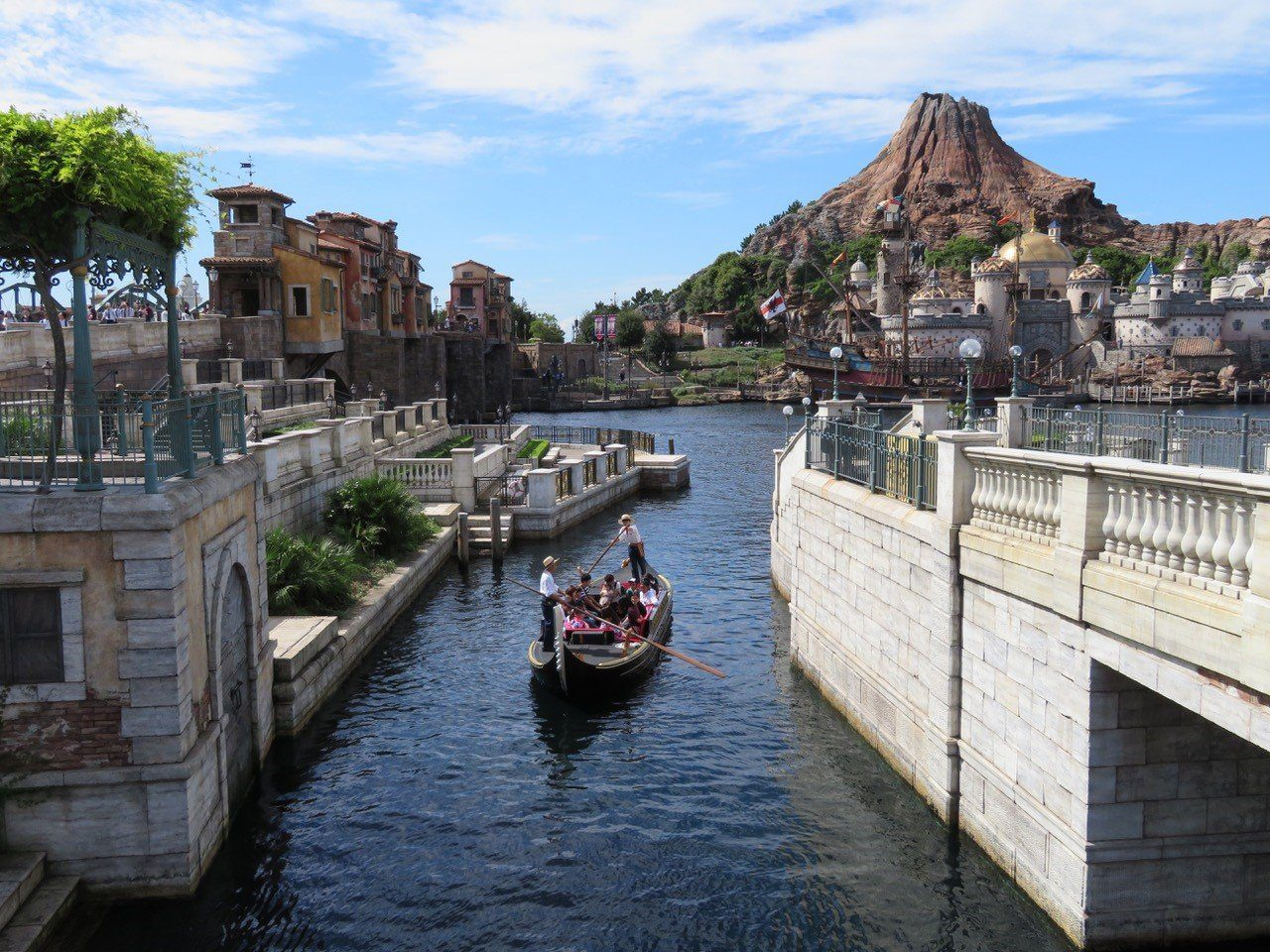 Disneysea Theme Park in Tokyo - Our 3 Kids V The World