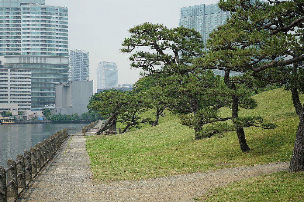 Hama-rikyu Gardens - a Luxury Travel Blog