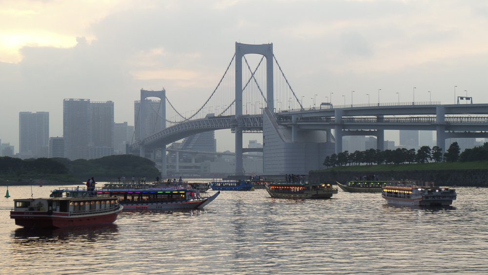 Odaiba by Boat - Love Traveling