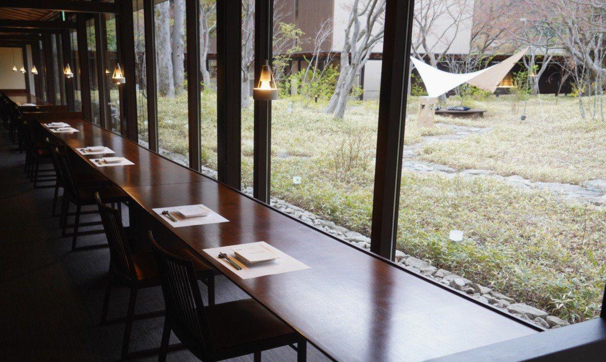 KAI Kinugawa Restaurant - Bench Seating Area