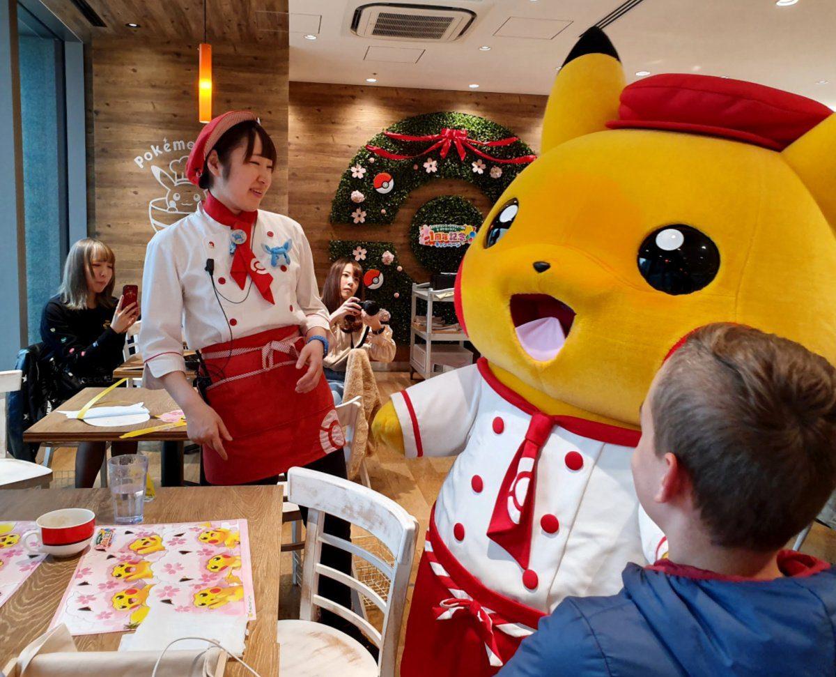 Pokemon Cafe - Meeting Pikachu!