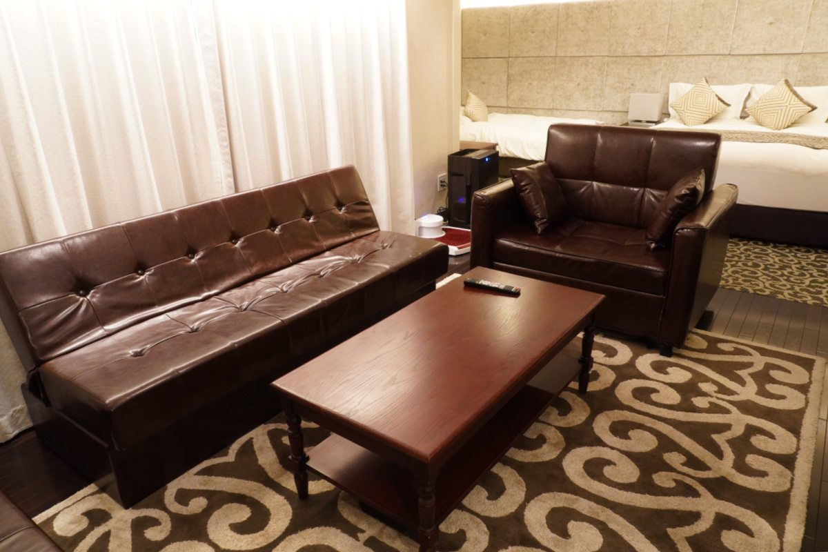 The Centurion Classic Hotel Akasaka King Suite Lounge Room