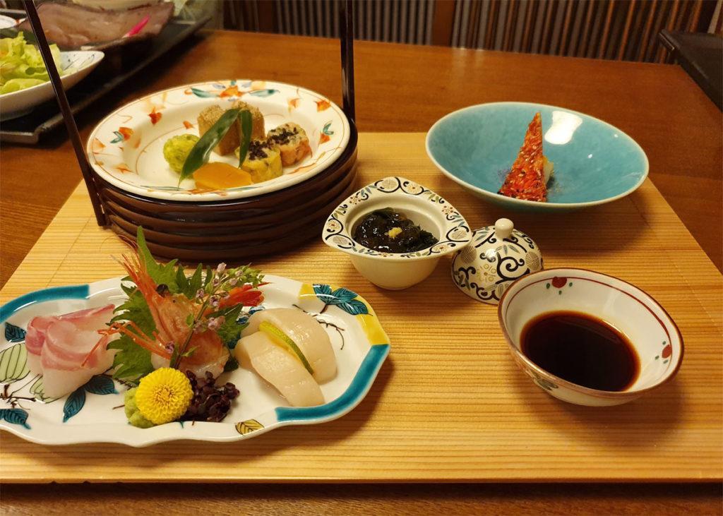 Assorted Delicacies, Seaweed Vinegar Jelly and Deep Fried Tempura