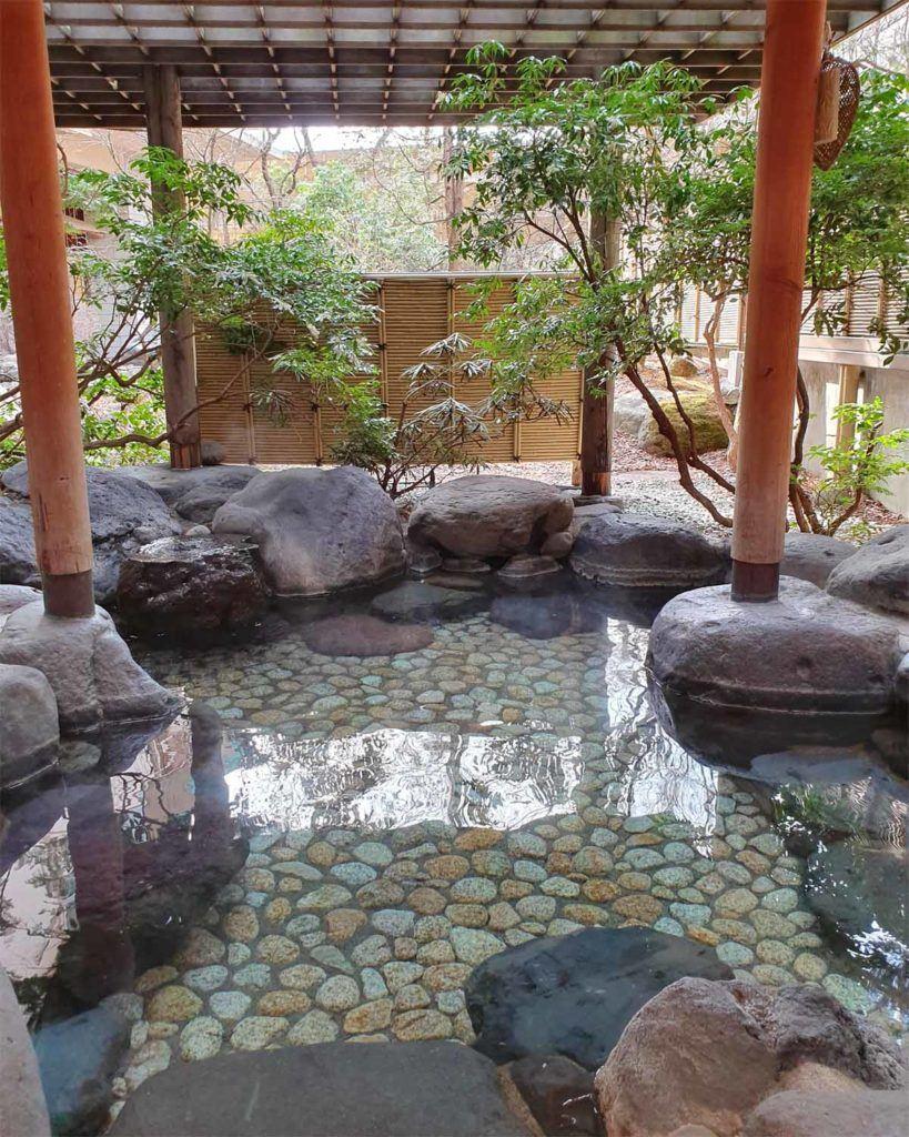 Outdoor Onsen for Women