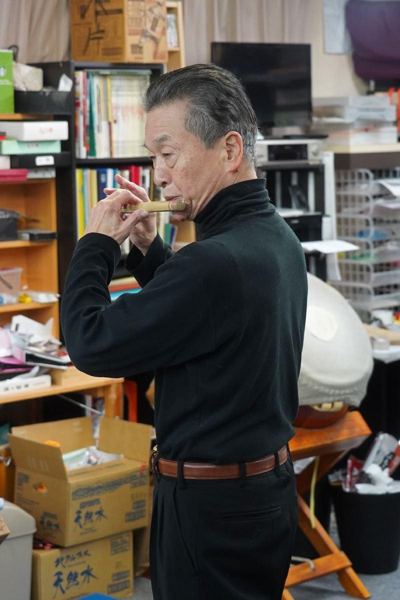 Yukihiro Miyauchi playing the flute