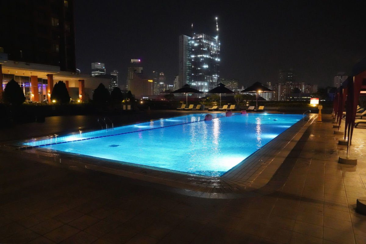 Somerset Liang Court Hotel in Singapore - Rooftop Swimming Pool