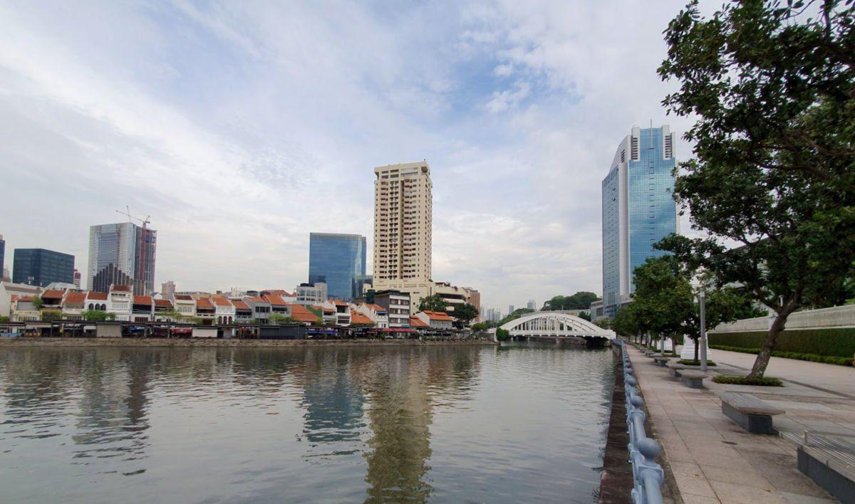 View along the Singapore River towards Clarke Quay